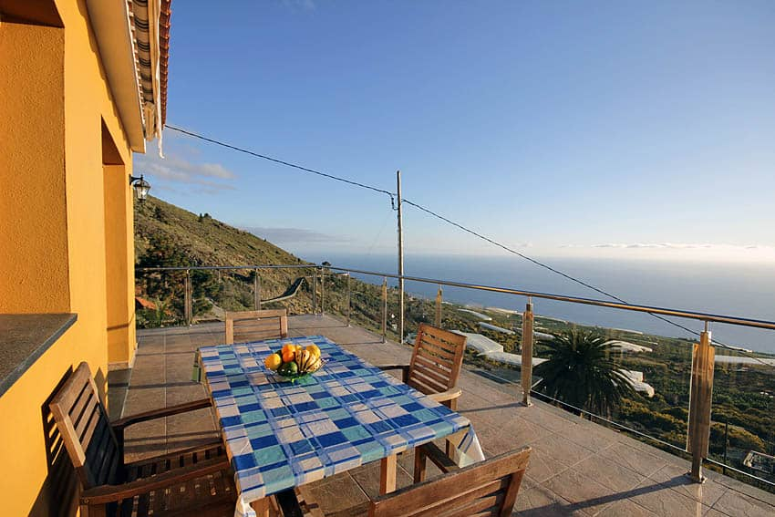 Looking south from the panoramic terrace of the holiday house La Planta