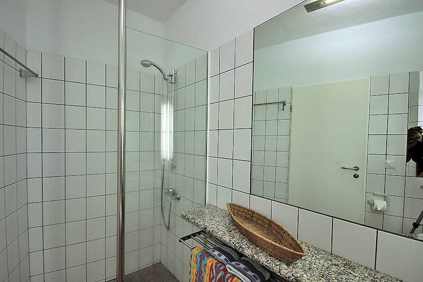 Holiday home La Palma with pool Casa Fortuna 1 + 2: Bathroom with shower