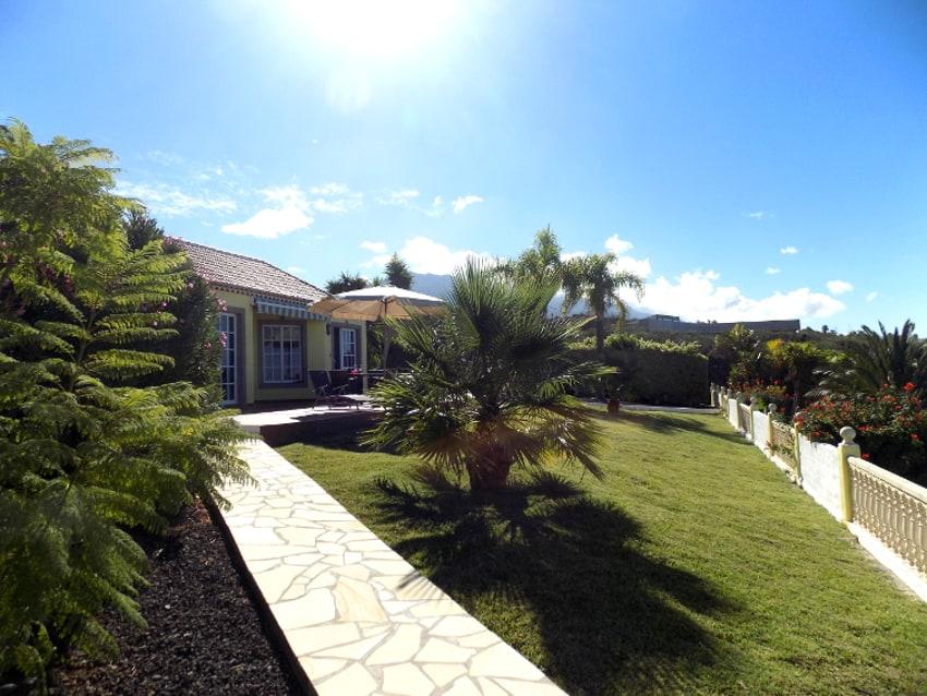 España - Islas Canarias - La Palma - Los Llanos - Villa Panorámica - Mansión con jardín, terraza de sol y vista a la montaña