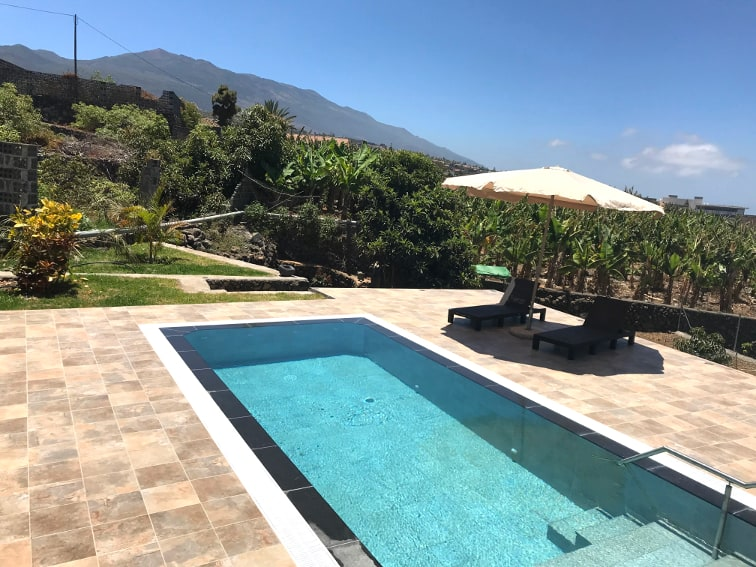 Spain - Canary Islands - La Palma - Los Llanos de Aridane - Villa La Graja - Holiday villa with private swimming pool, ocean and mountain view