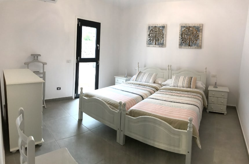 Spain - Canary Islands - La Palma - Los Llanos de Aridane - Villa La Graja - Cozy bedroom with single beds