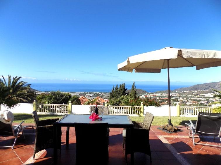 España - Islas Canarias - La Palma - Los Llanos - Villa Panorámica - Mansión con jardín, terraza de sol y vista al Atlántico