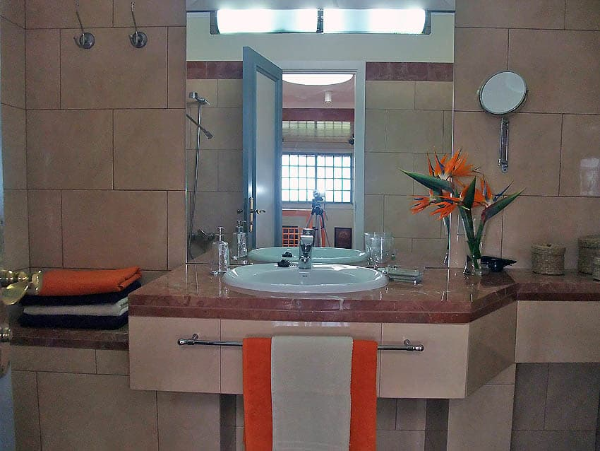 Holiday Villa with private pool La Palma Villa Cerco La Cruz: Bathroom