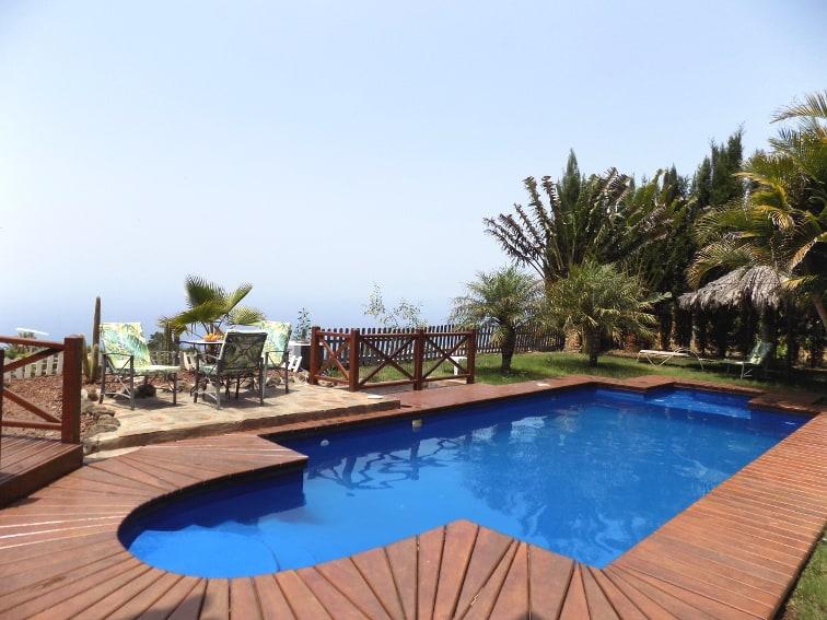 Spanien - Kanaren - La Palma - La Punta - Villa Nerea - Ferienvilla mit beheizbarem Privatpool mit Sonnenliegen und Meerblick