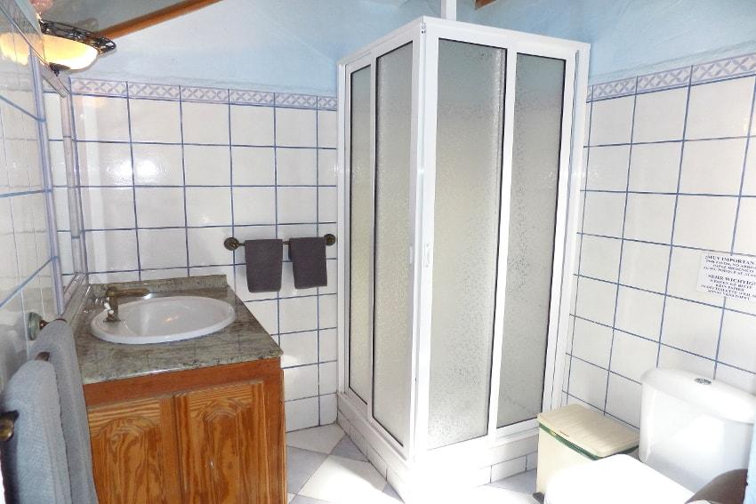 España - Islas Canarias - La Palma - La Punta - Casa La Gorgonia - Baño en-suite con ducha