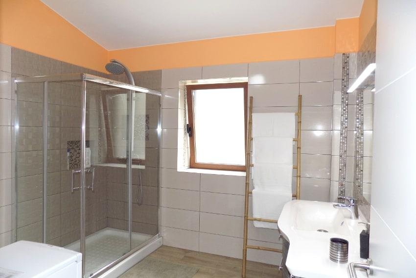 Spain - Canary Islands - El Hierro - Frontera - Villa Tejeguate - Bathroom with shower