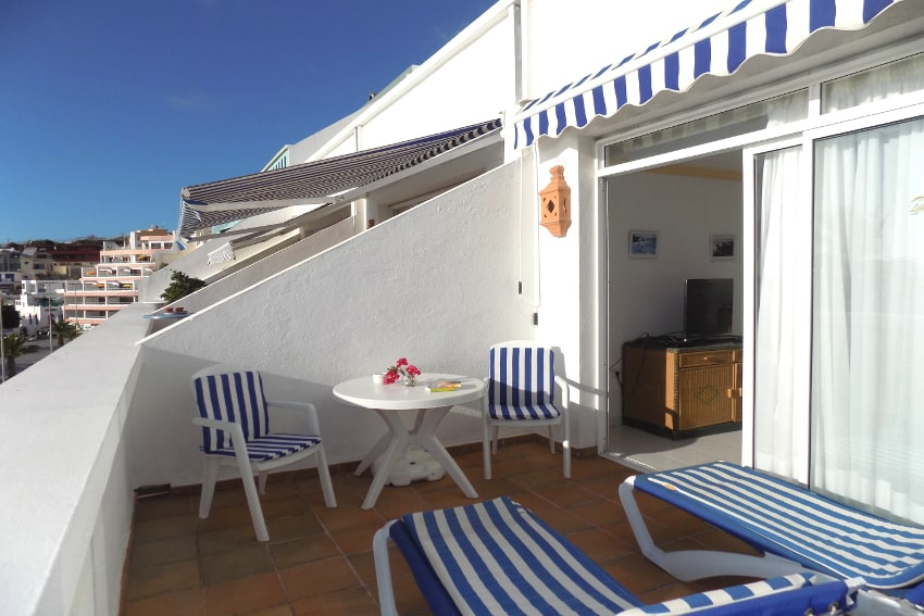 Spain - Canary Islands - La Palma - Puerto Naos - Apartment Atlántico Playa - Cozy bright apartment with balcony and awning on the beach
