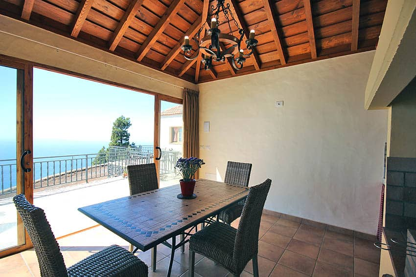 Casa Rural con piscina privada La Palma Casa Candelario: Vista desde la casita de barbacoa