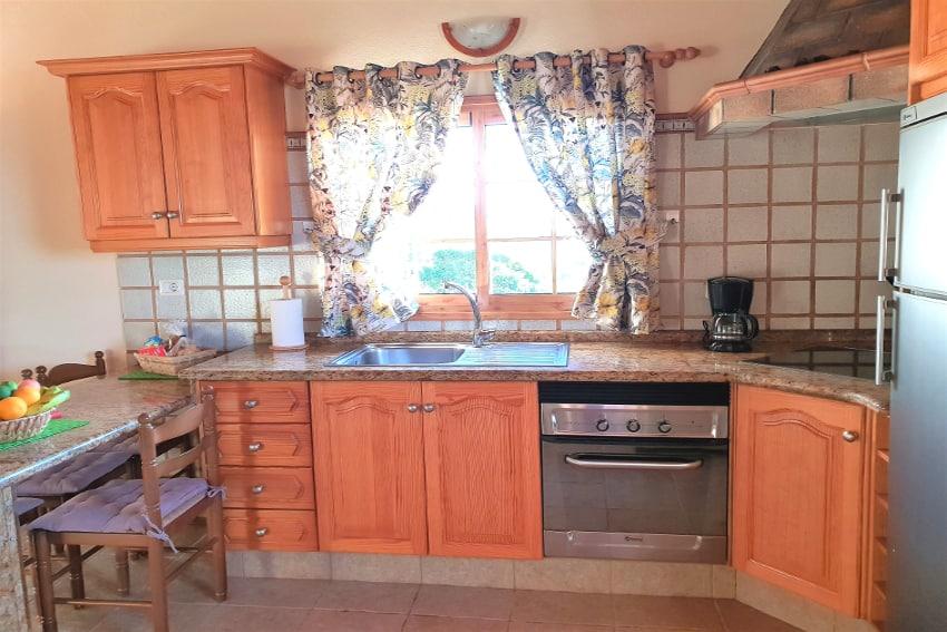 Spain - Canary Islands - La Palma - Puntagorda - Casa Candelario - fully equipped American kitchen