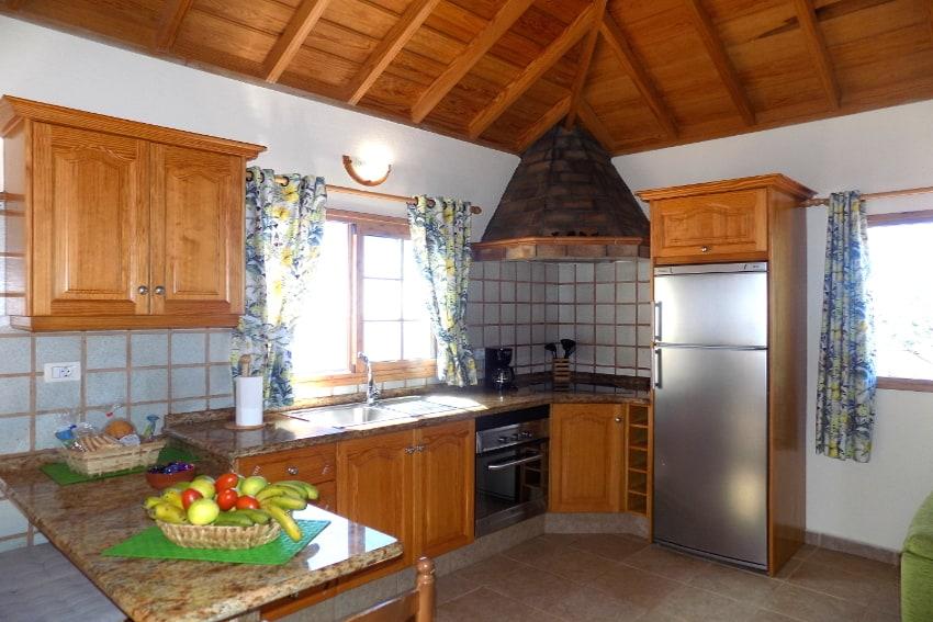 Spain - Canary Islands - La Palma - Puntagorda - Casa Candelario - fully equipped kitchen