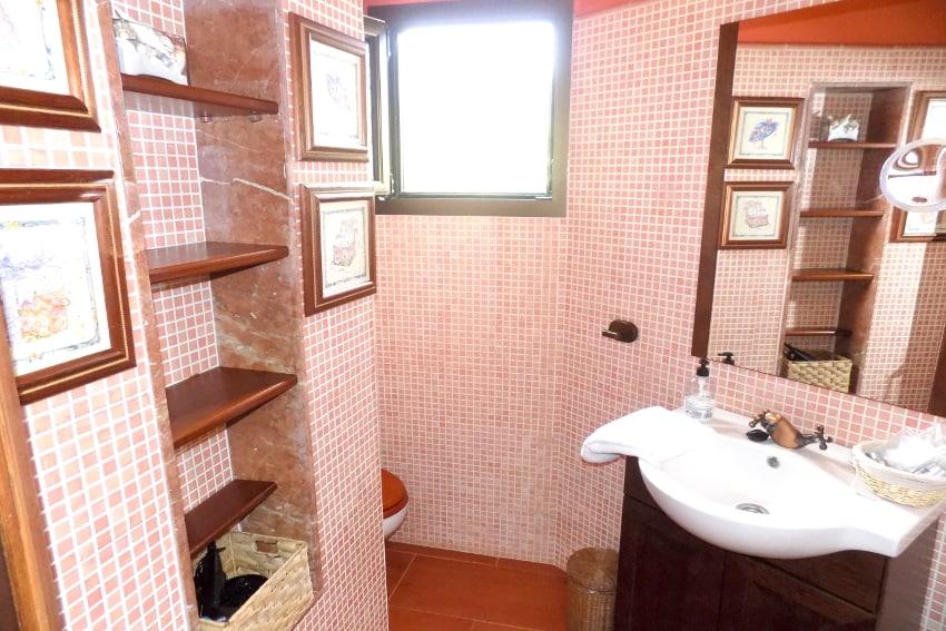Spain - Canary Islands - El Hierro - Valverde - Casa La Florida 1 - Bathroom with showe