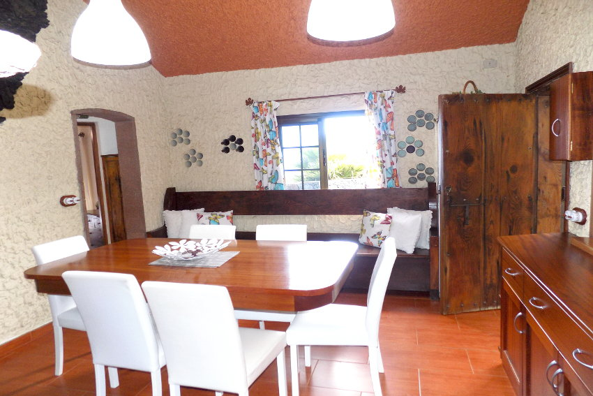 Spain - Canary Islands - El Hierro - Valverde - Casa La Florida 1 - Kitchen with dining table