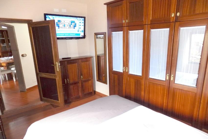 Spain - Canary Islands - El Hierro - Valverde - Casa La Florida 1 - Bedroom with double bed