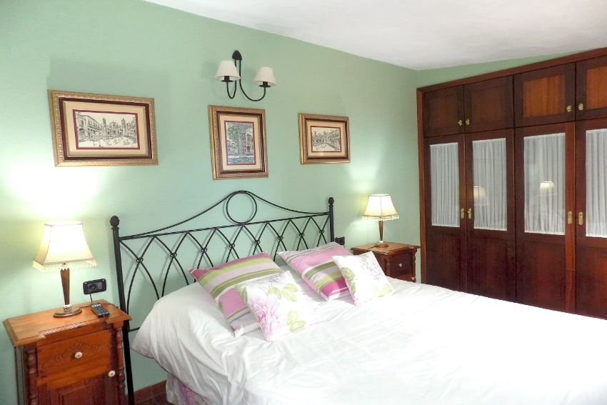 Spain - Canary Islands - El Hierro - Valverde - Casa La Florida 2 - Bedroom with double bed