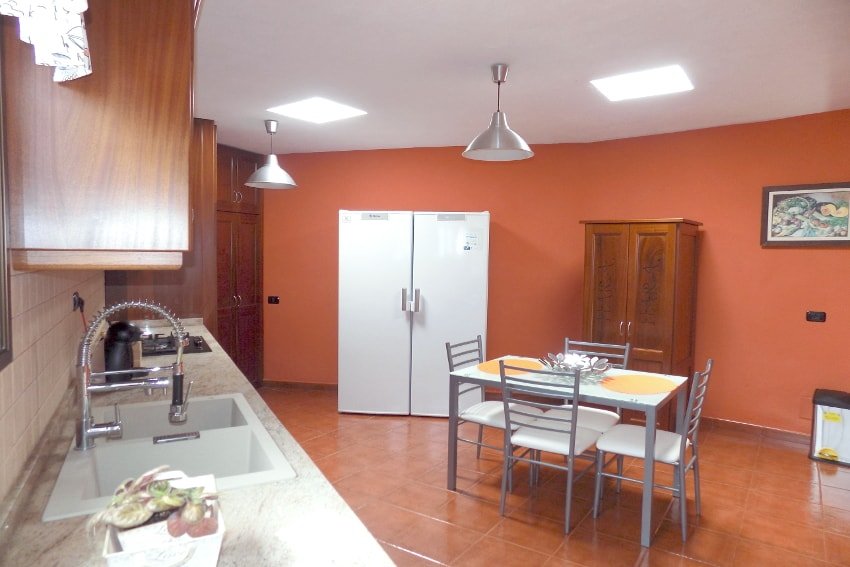 Spain - Canary Islands - El Hierro - Valverde - Casa La Florida 2 - Ameriacn kitchen