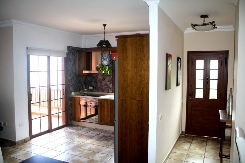 España - Islas Canarias - El Hierro - Los Llanillos - Casa Victor - Casa rural en el Valle de Golfo - Cocina y entrada