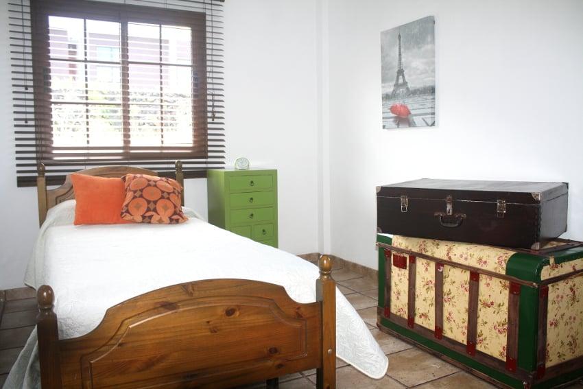 España - Islas Canarias - El Hierro - Los Llanillos - Casa Victor - Casa rural en el Valle de Golfo - Dormitorio con cama individual