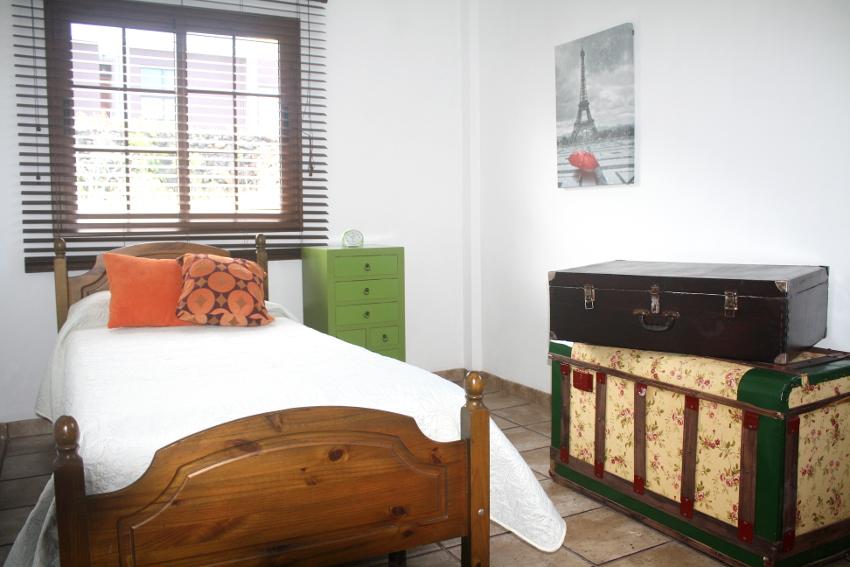 Spain - Canary Islands - El Hierro - Los Llanillos - Casa Victor - Bedroom with single bed