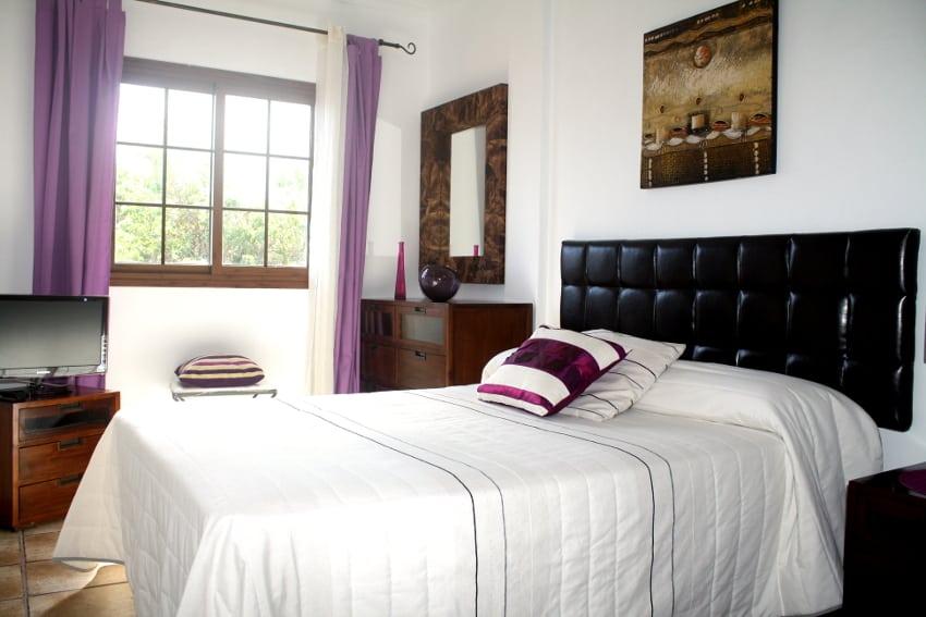 Spain - Canary Islands - El Hierro - Los Llanillos - Casa Victor - Bedroom with double bed