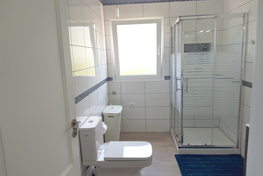 Spain - Canary Islands - El Hierro - Frontera - Casa Elvira - New built modern holiday home with stunning sea views - Bathroom with shower