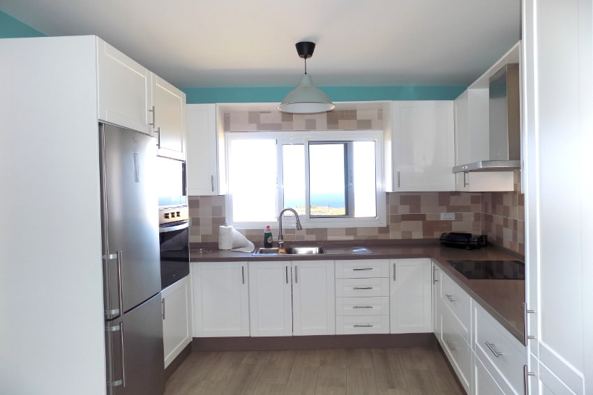 Spain - Canary Islands - El Hierro - Frontera - Casa Elvira - New built modern holiday home with stunning sea views - American kitchen with sea views