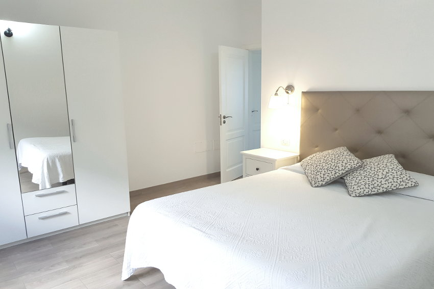 Spain - Canary Islands - El Hierro - Frontera - Casa Elvira - New built modern holiday home with stunning sea views - Bedroom with double bed