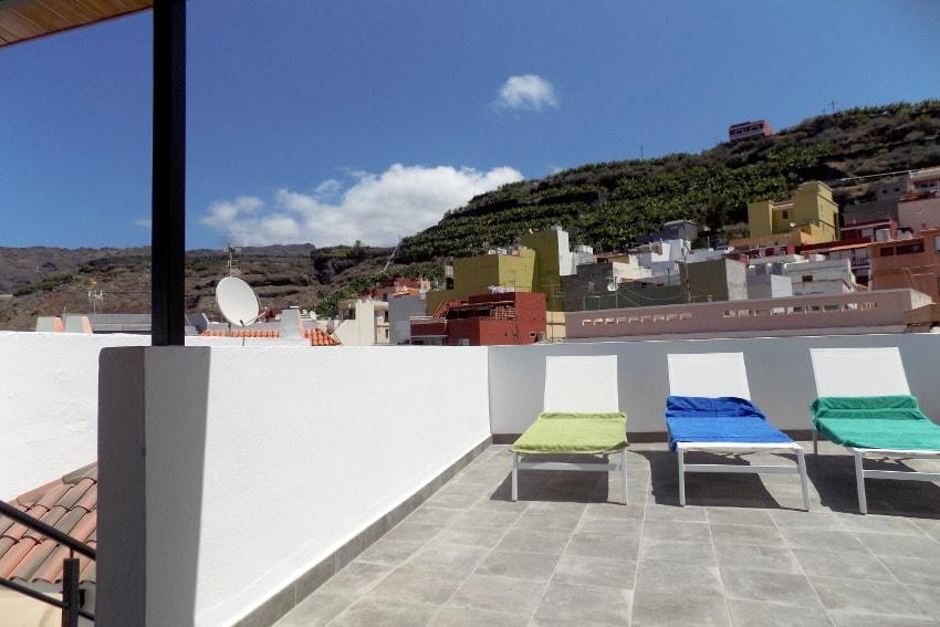 Spanien - Kanarische Inseln - La Palma - Tazacorte - Casa Maria - Modernes Stadthaus mit Sonnenterrasse - Dachterrasse mit Bergblick