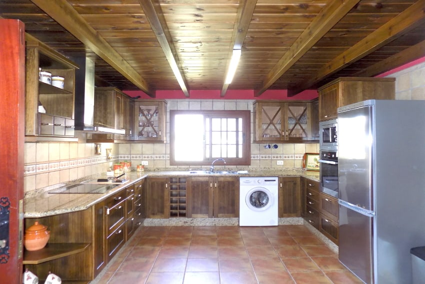 Spain - Canary Islands - El Hierro - Frontera - Finca Arteaga - Fully equipped kitchen