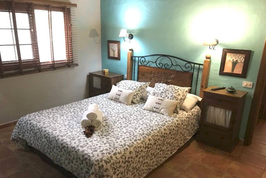 Spain - Canary Islands - El Hierro - Frontera - Finca Arteaga - Bedroom with double bed, TV and bathroom en-suite
