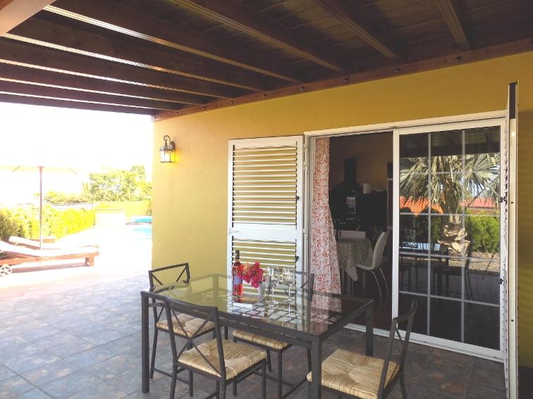 Spain - Canary Islands - La Palma - Las Manchas - Villa Tamanca - Spacious sun terrace with access to the kitchen