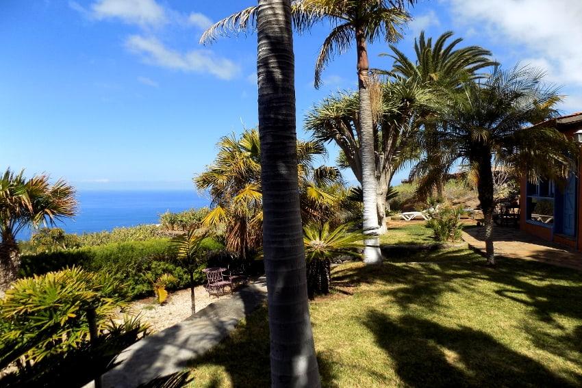 España - Islas Canarias - La Palma - La Punta - Casa La Gorgonia - Jardín tropical con unas vistas increíbles al mar