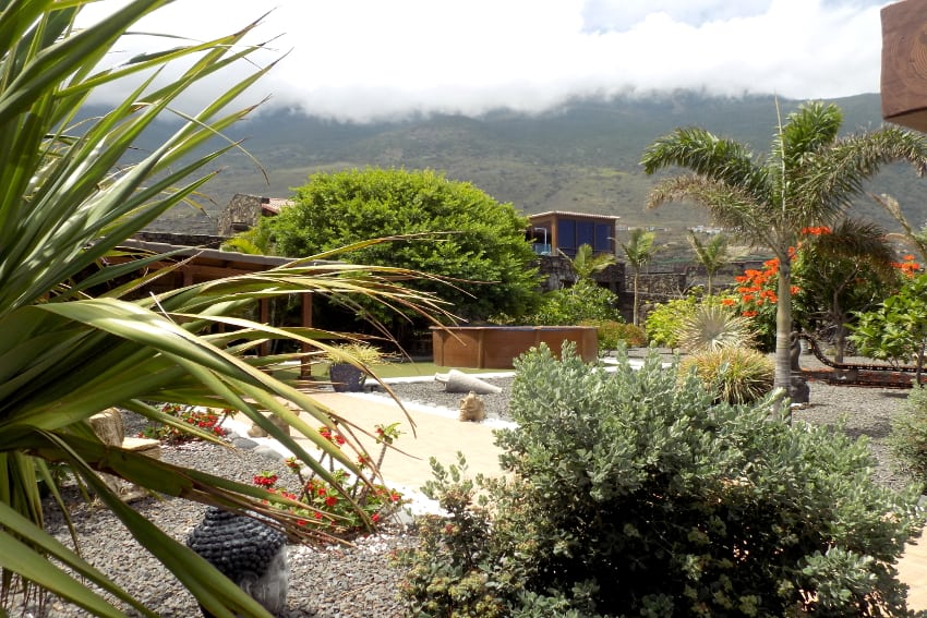 Spain - Canary Islands - El Hierro - Frontera - Villa Tejeguate - Garden with mountain view