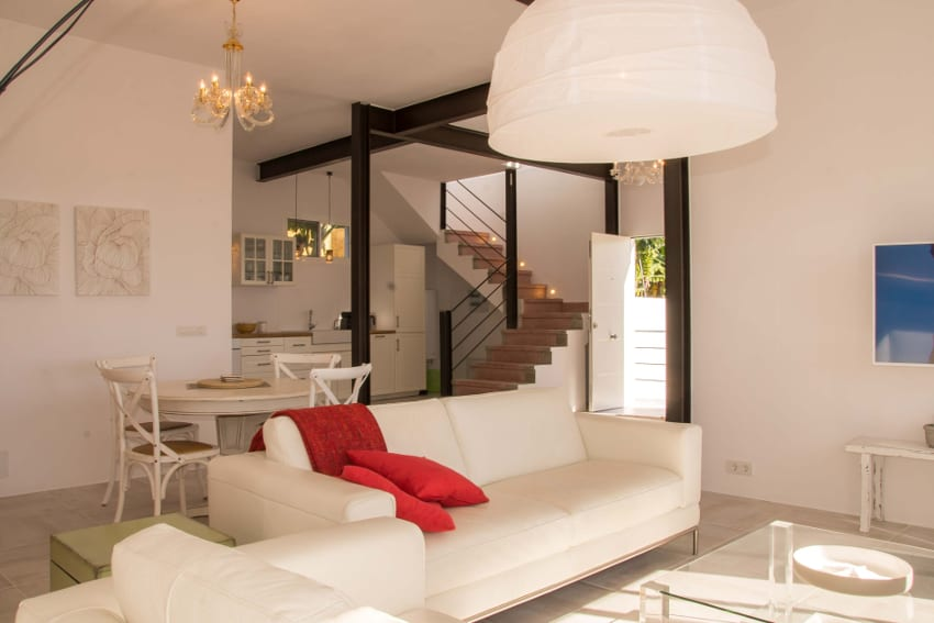 Spain - Canary Islands - La Palma - Tazacorte - Casa Alma Marina - living room with leather couch