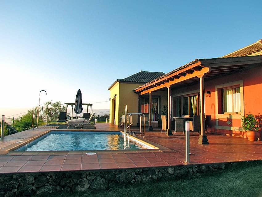 Casa Rural adaptada para personas con discapacidad La Palma con piscina Villa Las Viñitas: Casa con piscina y terraza