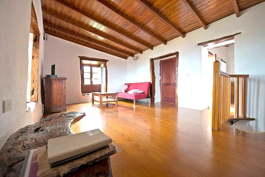 Spain - Canary Islands - El Hierro - Los Llanillos - Casa Gilberto - Living room with sea view and TV in the upper floor