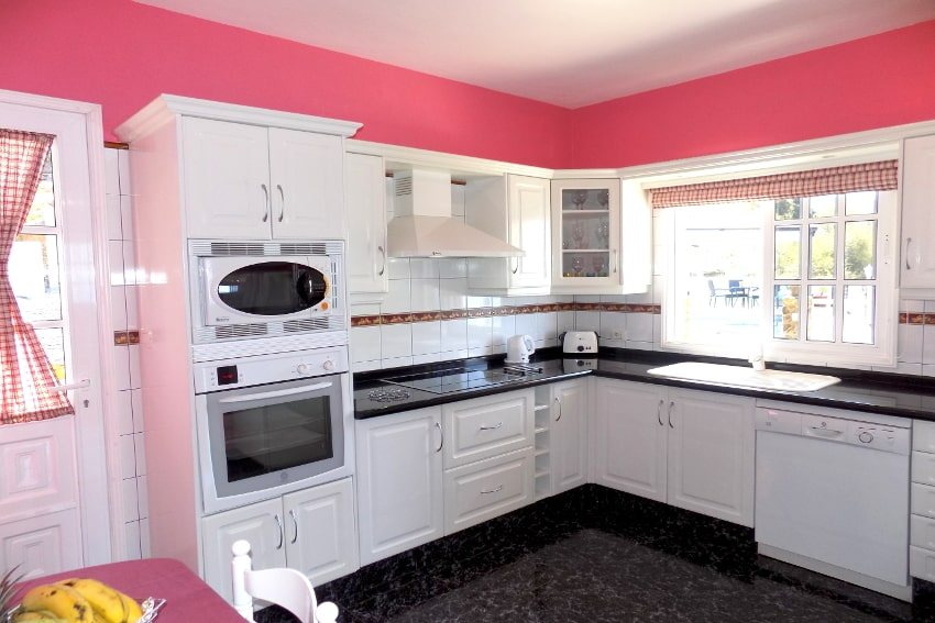 Spain - Canary Islands - La Palma - Tijarafe - Casa La Hoya - Fully equipped kitchen