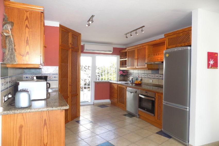 España - Islas Canarias - La Palma - Tajuya - Casa La Palmera - la muy bien equipada cocina