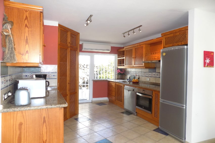 Spain - Canary Islands - La Palma - Tajuya - Casa La Palmera - Fully equipped kitchen