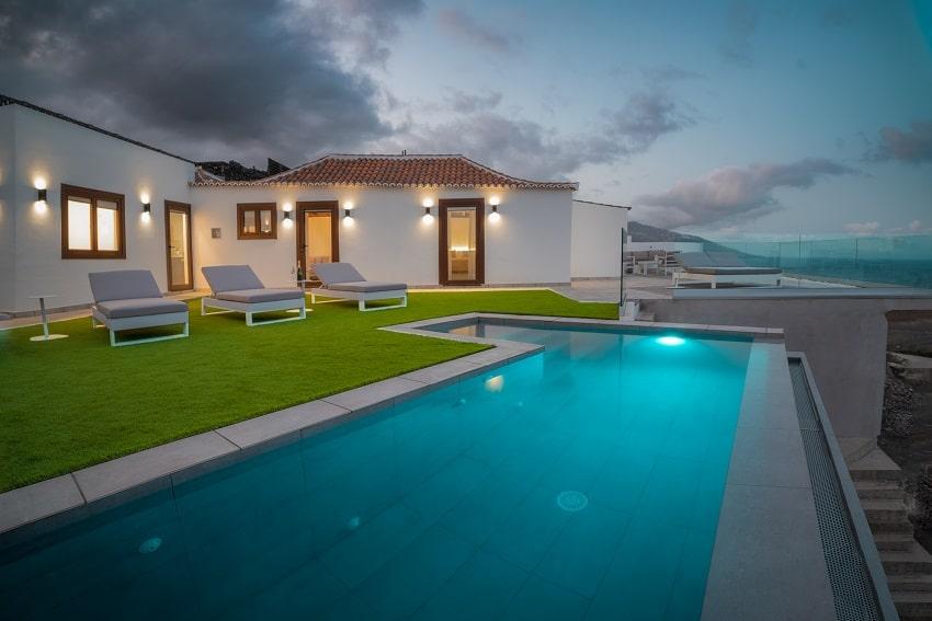 V&C Luxury Village