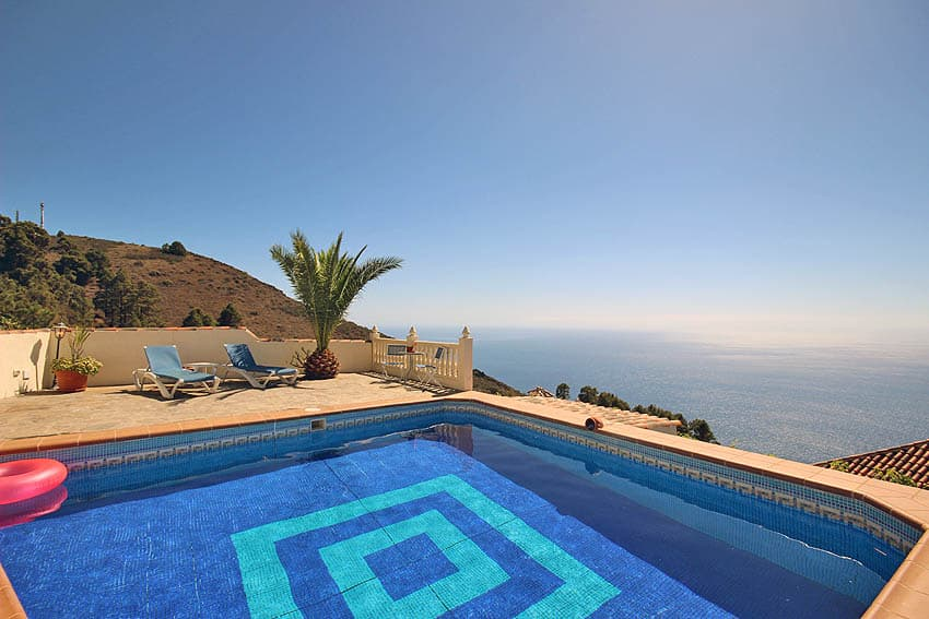 Holiday Cottage with pool La Palma Casa Candelario: Sea view from the pool