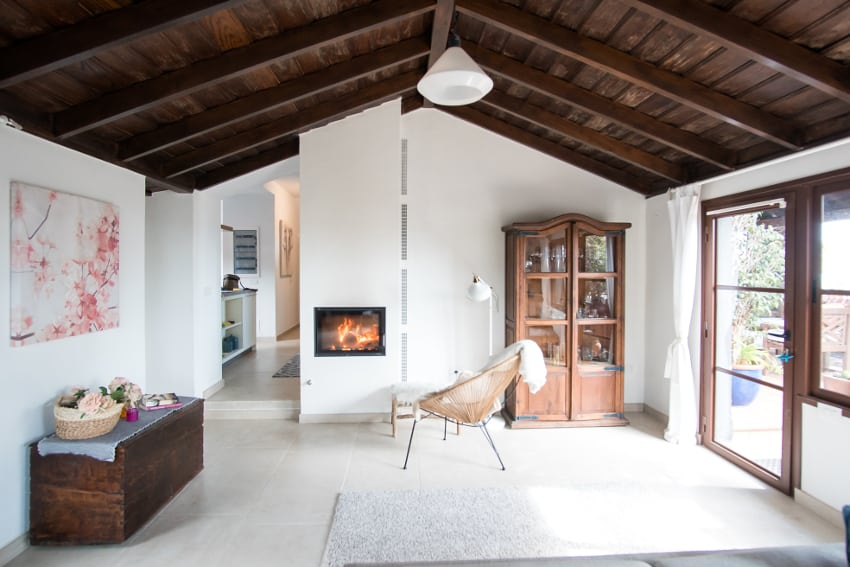 Spain - Canary Islands - La Palma - Fuencaliente - Finca Teneguía - Living area with cozy fireplace