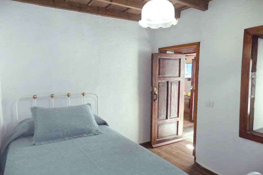 Spain - Canary Islands - La Palma - Tazacorte - Casa Maria - Bedroom with single bed