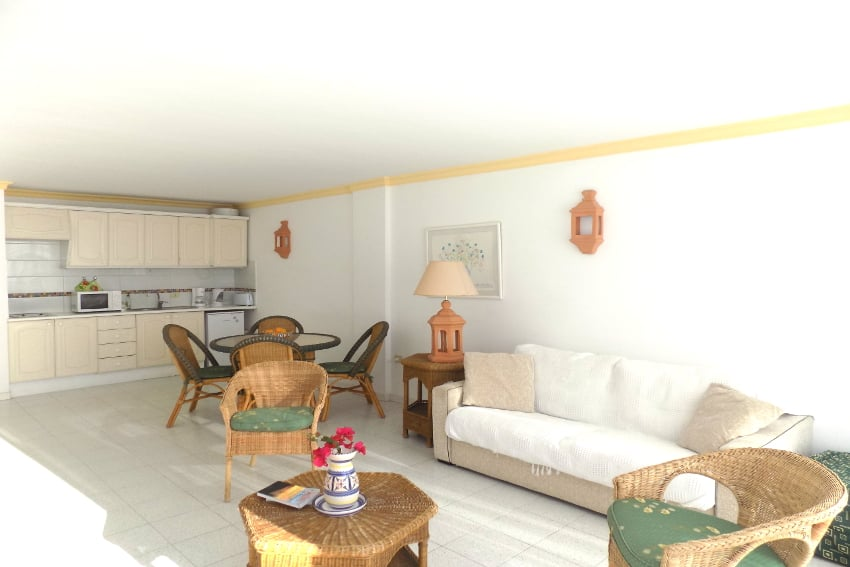 Spain - Canary Islands - La Palma - Puerto Naos - Apartment Atlántico Playa - Cozy bright apartment with kitchenette on the boulevard of Puerto Naos