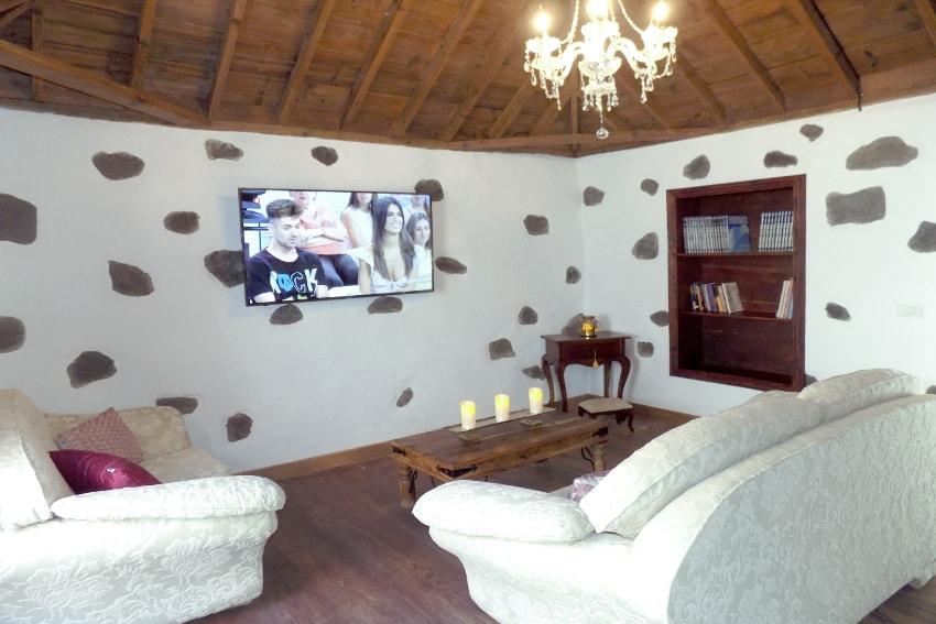 Spain - Canary Islands - La Palma - Tazacorte - Casa Maria - Comfortable living room with SAT-TV