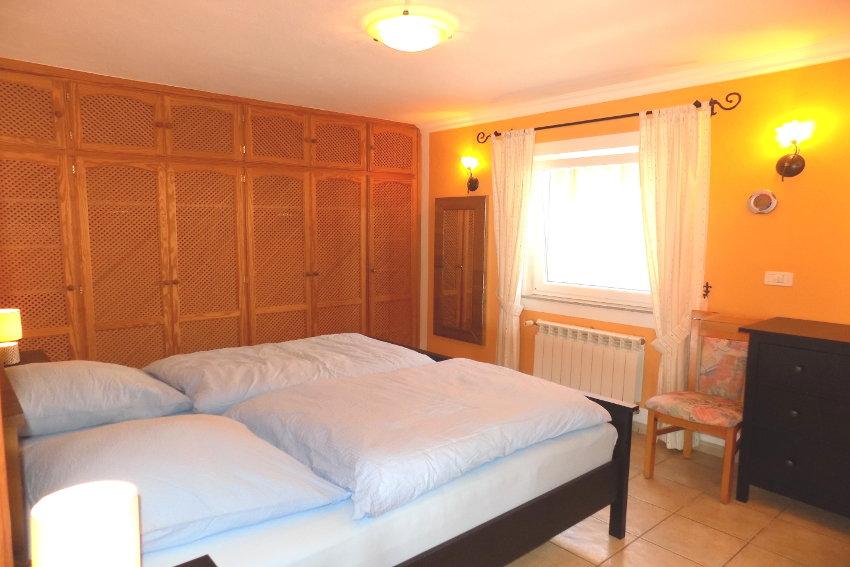 Spain - Canary Islands - La Palma - Tajuya - Casa La Palmera - Bedroom with two single beds