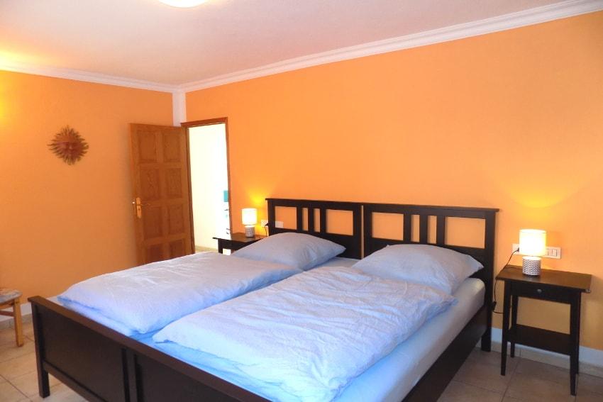 España - Islas Canarias - La Palma - Tajuya - Casa La Palmera - Confortable dormitorio con dos camas individuales