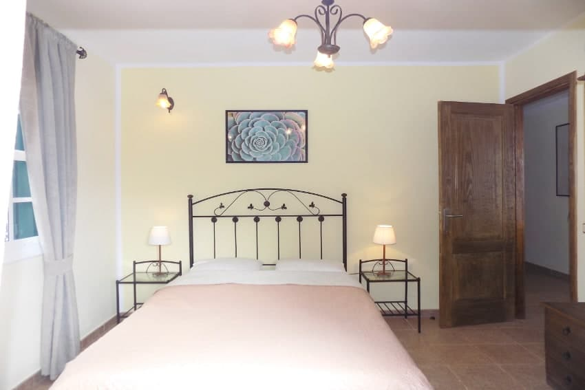 Spain - Canary Islands - La Palma - Mazo - Villa Monte Breña - Comfortable, bedroom on the ground floor with French bed