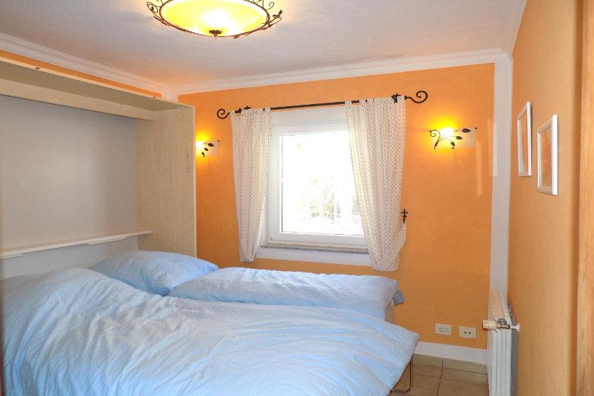 Spain - Canary Islands - La Palma - Tajuya - Casa La Palmera - Bedroom with foldaway bed