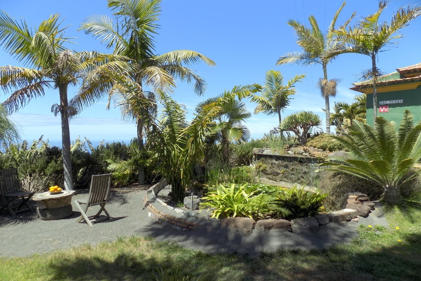 Spain - Canary Islands - La Palma - La Punta - Casa Las Vetas - Tropical garden with small pond and waterfalls in front of the holiday cottage