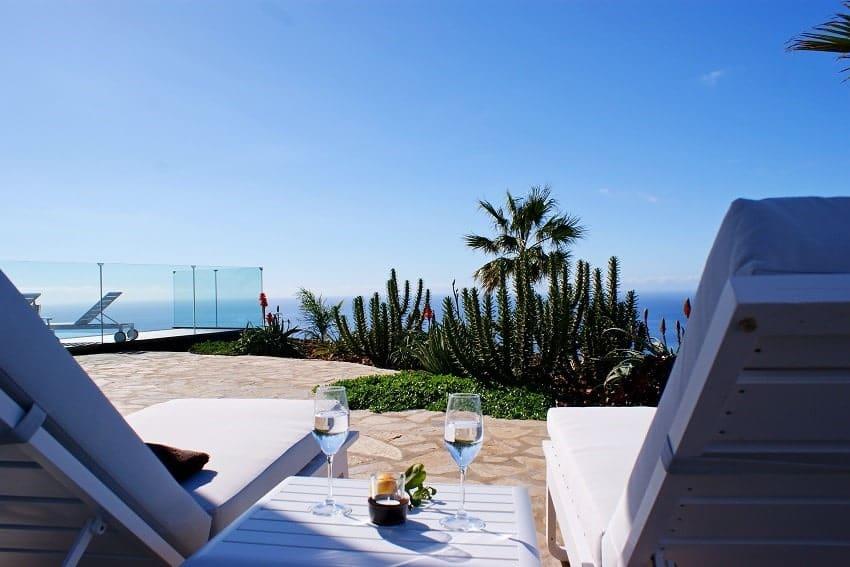 Sunbeds, Villa Perla del Mar, Villa Puntagorda